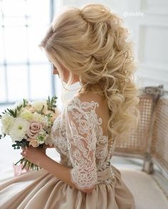 """5,234 Likes, 58 Comments - Strictly Weddings (@strictlyweddings) on Instagram: """"Just the loveliest look for her wedding day by @elstile. #bridalhair #bridalinspo #wedding…"""""""