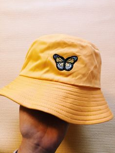Lazy Outfits, Outfits With Hats, Cool Outfits, Fashion Outfits, Bucket Hat Outfit, Cute Hats, Mellow Yellow, Swagg, Aesthetic Clothes