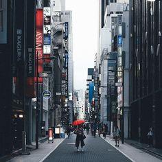 Ginza, Tokyo photo by Takashi Yasui
