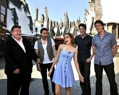 Hagrid, Neville, Hermione, and the Weasley twins... just a few of my favorite people!