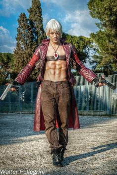 Dante Cosplay at Roma Comics 2013 - DMC Tribute by LeonChiroCosplayArt on deviantART