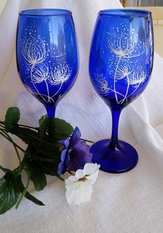 Hand wine glasses/dandelions /bridal shower/gifts for her/birthday gifts/Mother's Day/wed Blue Wine Glasses, Hand Painted Wine Glasses, Mother Birthday Gifts, Mother Gifts, Cobalt Glass, Cobalt Blue, Fused Glass, My Glass, Glass Art