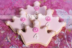 PRINCESS CROWN COOKIES by Pink Bee Bakery, via Flickr Iced Cookies, Easter Cookies, Royal Icing Cookies, Yummy Cookies, Sugar Cookies, Purple Princess Party, 1st Birthday Princess, Baby Girl First Birthday, 4th Birthday