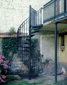 1000 images about escalier on pinterest design wine for Escalier helicoidal exterieur