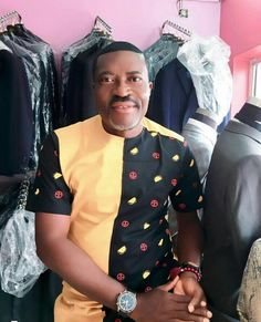 African Wear Styles For Men, African Shirts For Men, African Dresses For Kids, African Attire For Men, African Women, Nigerian Men Fashion, African Print Fashion, African Fashion Dresses, African Street Style