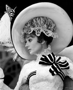"""The actress Audrey Hepburn as Eliza Doolittle and photographed by Bob Willoughby during the filming of """"My Fair Lady"""" -Audrey was wearing creations of Cecil Beaton. Audrey Hepburn Outfit, Audrey Hepburn Photos, Aubrey Hepburn, My Fair Lady, Brigitte Bardot, Classic Hollywood, Old Hollywood, Hollywood Glamour, Breakfast At Tiffanys"""