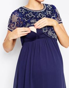 Nursing friendly outfits: Because little babies need to nurse on demand (no matter how good the party is) but you still want to look fly.