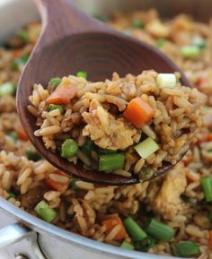 Une recette de riz frit super facile que vous allez vouloir faire et refaire tel… A super easy fried rice recipe that you are going to want to do and redo so much it is good! Low Carb Diets, Rice Recipes, Cooking Recipes, Savoury Recipes, Easy Recipes, Drink Recipe Book, Arroz Frito, Pasta, Rice Dishes