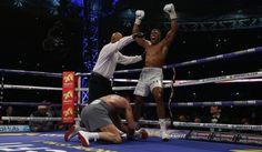 Kličko na kolenách, nový šampión je Anthony Joshua: Koľko peňazí bolo v hre?