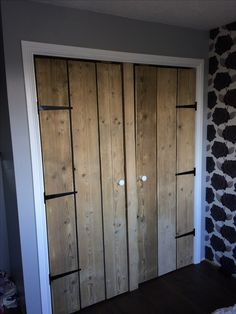 Scaffold boards wardrobe doors