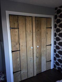 Scaffold boards wardrobe doors