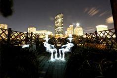 Il londinese Augustin Cross e i suoi giochi di luce! www.Glyphs.it