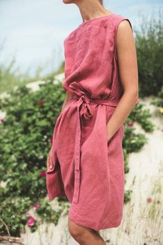 Essential Buying Guide for your Summer Minimalist Capsule Wardrobe Vogue, Cute Casual Outfits, Minimalist Fashion, Summer Minimalist, Fashion Prints, Street Style, Style Inspiration, Fashion Outfits, Summer Dresses