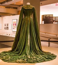 Hollywood Costume, Gone With The Wind, High Art, Movie Costumes, Needle And Thread, Classic Hollywood, Gowns, Elegant, Formal Dresses