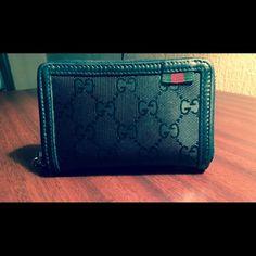 Gucci Men's zip wallet- 500 collection Used Men's Gucci zip collection (Good Condition) Gucci Bags Wallets Gucci Wallet, Zip Wallet, Gucci Men, Gucci Bags, Belts, Wallets, Man Shop, Bracelets, Fashion Design