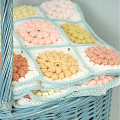 Another gorgeous blanket made by Coco Rose Diaries inspired by Dottie Angel´s Stool cover using the Mille Makes 'Something Pretty' Pattern