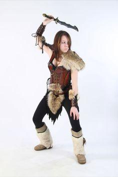 http://fc03.deviantart.net/fs70/f/2012/055/6/9/female_leather_armor_by_lagueuse-d4qucj4.jpg