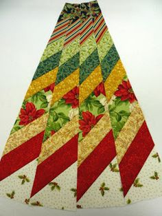 north winds quilting: Circle Wedge Tree Skirt, Part 1