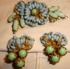 VINTAGE MIRIAM HASKELL FLORAL DESIGN GLASS BEADED BROOCH PIN EARRINGS pennyanny