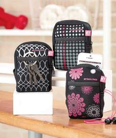 Take this MYTAGALONGS Arm Pouch on your next jog or trip to the gym! Its main compartment has a zipper closure and is perfect for keeping keys, a phone, MP3 player and more. Inside is a small pocket with fabric-magic closure. Use the outside mesh pocket