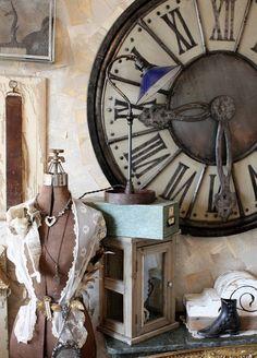 1 of a Kind Designer Lamp Big Clocks, Huge Clock, Shabby Vintage, Vintage Paris, Vintage Decor, Vintage Items, Clock Decor, Lamp Design, Shabby Chic Decor
