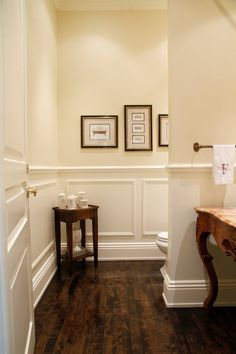 Wood wainscoting in bathroom wood floor bathroom cute best wainscoting bathroom ideas on wood wainscoting bathroom Dining Room Wainscoting, Wainscoting Styles, Wainscoting Panels, Wainscoting Height, Black Wainscoting, Wainscoting Nursery, Painted Wainscoting, Bathroom Wainscotting, White Paneling