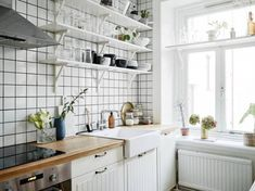Breathtaking 55+ Adorable Kitchen Open Shelving That Will Inspire You https://freshoom.net/kitchen/57-adorable-kitchen-trends-open-shelving-ideas/