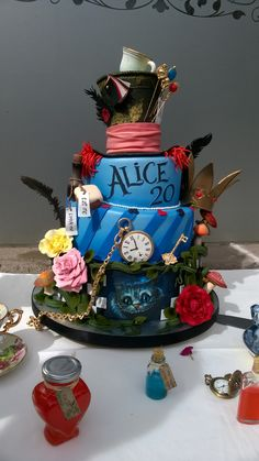 41 Ideas party birthday food alice in wonderland for 2019 Alice In Wonderland Decorations, Alice In Wonderland Cakes, Alice In Wonderland Tea Party Birthday, Wonderland Party, Crazy Cakes, Beautiful Cakes, Amazing Cakes, Disney Cakes, Themed Cakes