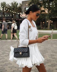 Chanel Outfit, Chanel Fashion, Chanel Boy Bag, White Chanel Bag, Fashion Mode, Fashion Outfits, Womens Fashion, Fashion Tips, Ski Fashion