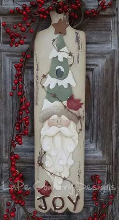 Santa Wooden door or wall hanging Christmas Wood Crafts, Pallet Christmas, Primitive Christmas, Christmas Signs, Christmas Art, Christmas Projects, Holiday Crafts, Christmas Decorations, Christmas Ornaments