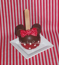 MINNIE MOUSE by laverne
