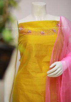 Salwar Neck Designs, Kurta Designs, Dress Designs, Girls Fashion Clothes, Girl Fashion, Fashion Outfits, Mehndi Hairstyles, Embroidery Neck Designs, Churidar