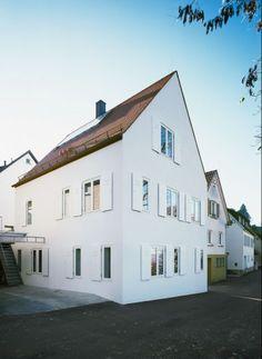 Ein Ziegelhaus ohne zusätzliche Wärmedämmung (die übliche Thermohaut!) | Christine Remensperger ©Antje Quiram, Stuttgart