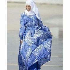 Blur paisley print maxi dress #modest #hijab