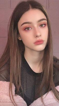 aesthetic makeup ulzzang Beautiful Girl like Fashition Kawaii Makeup, Pink Makeup, Girls Makeup, Hair Makeup, Soft Makeup, Goth Eye Makeup, Burgundy Makeup, Flower Makeup, Yellow Makeup