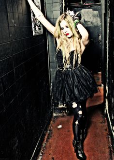 Stephanie. Brazil. Blog dedicated to the beautiful and talented Avril Ramona Lavigne, all edits/gifs...