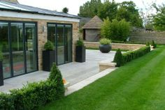 Box Hedging | Instant Hedging & Hedges – Box (Buxus hedging)