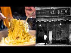 Original recipe for Fettuccine Alfredo from the Alfredo alla Scrofa restaurant in Rome : ArtisanVideos Fettuccine Alfredo, Pasta Alfredo Receta, Italian Chef, Italian Pasta, Italian Dishes, Italian Recipes, Calzone, Top Gear, Pasta Alla Norma