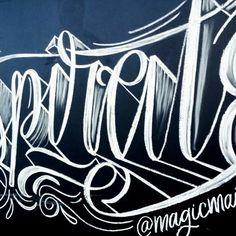 Inspiration is everywhere, just look around!✨ #lettering #handlettering #chalklettering #letteringdaily #letteringbymaia #script #goodtype #inspire #crayola #magicmaia  Chalklettering en @rie.com.do este sábado!✨
