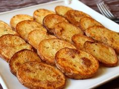 Cottage Fries - Easy Oven-Fried Potato Rounds by Food Wishes Cottage Fries Recipe, Oven Fried Potatoes, Roasted Potatoes, Best Baked Potato, Bacon Potato, Home Fries, Food Wishes, Potato Side Dishes, Fries In The Oven