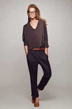 "cotton חולצת אוברסייז אפורה באורך משתנה - 260 ש""ח + מכנס אריג בויפרנד אפור - 350 ש""ח"