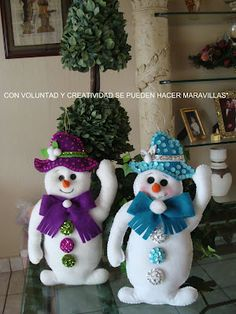 CON VOLUNTAD Y CREATIVIDAD SE PUEDEN HACER MARAVILLAS!: MUÑECO DE NIEVE SERIE 2 Y MOLDE Christmas Mom, Christmas Sewing, Magical Christmas, Country Christmas, Christmas Snowman, Christmas Crafts, Christmas Ornaments, Xmas, Felt Crafts Diy