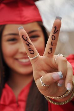 I want this but bulls fingers...senior pic #senior