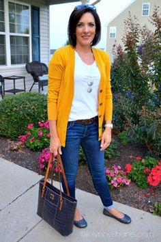 mustard boyfriend sweater with skinny jeans... love this look for fall! #fallfashion #fall #fashionblogger