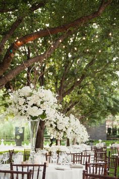 All white outdoor wedding at Nasher Sculpture Center