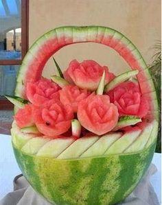 Watermelon Basket of Roses Carving, Edible Art Watermelon Basket, Watermelon Art, Watermelon Carving, Carved Watermelon, Watermelon Nutrition, Fruit Sculptures, Food Sculpture, Veggie Art, Fruit And Vegetable Carving