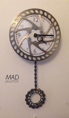 Pendulum Clock Bicycle Decor, Bicycle Art, Clock Art, Diy Clock, Metal Clock, Wooden Clock, Welded Metal Projects, Recycled Bike Parts, Man Cave Items