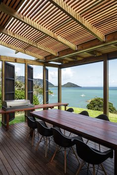 Gallery - Castle Rock Beach House / HERBST Architects - 11 I miss talking about and studying architecture :( Outdoor Rooms, Indoor Outdoor, Outdoor Living, Castle Rock, Casa Do Rock, Deck Design, House Design, Design Room, Garden Design