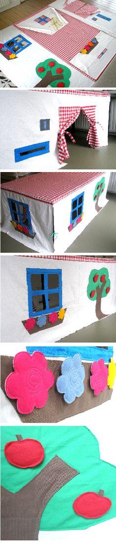 """Coudre des """"murs"""" a une vieille nappe = maison"""