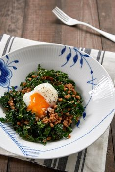 You probably already know that I'm not much of a sweets-for-breakfast kind of guy, which is why I've really been digging savory breakfast bowls lately. With a base of grains or seeds, some veggies, and a protein, they're balanced, flavorful and delicious. This one is a particular favorite with kale, farro, and an egg, dressed with balsamic sesame vinaigrette. Head over to PBS Food for my full post and recipe.